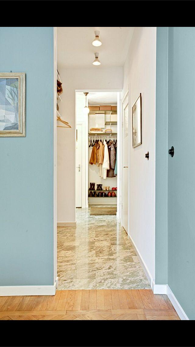 Green marble flooring. Swedish kolmårdsmarmor