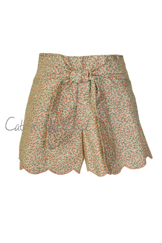 View details for the project Floral Scallop Hem Shorts on BurdaStyle.