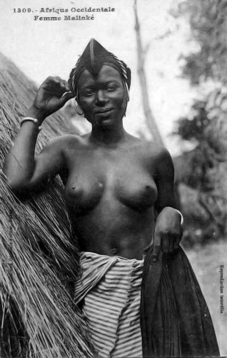 Africa | Malinke woman. Senegal.Early 1900s. | Vintage postcard; Collection Générale Fortier, Dakar No. 1309.