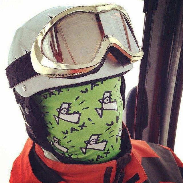 a všichni změna identity!  http://www.uax.cz/cs/uax/doplnky/cyklisticka-kolekce/doplnky/tubus-fish-party/bright-green/  #uax #tubus #fish #ski #snow