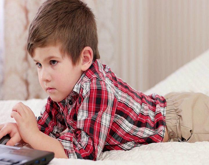 تفسير حلم الولد الصغير في المنام لابن سيرين موقع مصري Men Casual Mens Tops Drake Josh