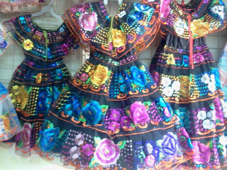 traje mexicano con bordados - Google Search