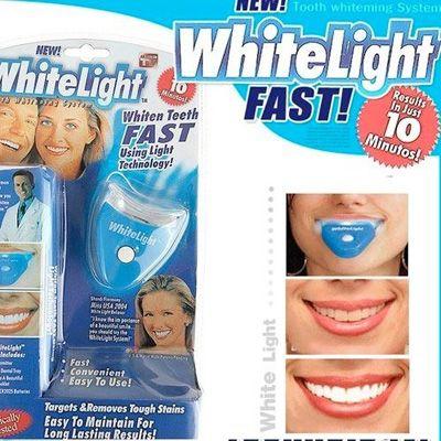 WhiteLight Pemutih Gigi Praktis dan Aman - Setiap orang pasti menginginkan memiliki gigi yang sehat dan terawat demi mendukung kesehatan dan penampilan gigi yang bersih dan putih akan dapat meningkatkan rasa percaya diri kita apabila sedang berkomunikasi dengan lawan bicara kita, baik itu teman kantor, kerabat, pacar, atau klien bisnis kita. Bagi Anda yang menginginkan mempunyai gigi yang putih bersih terawat, Indo-Onlineshop.com akan memperkenalkan sebuah produk pemutih gigi WhiteLight.