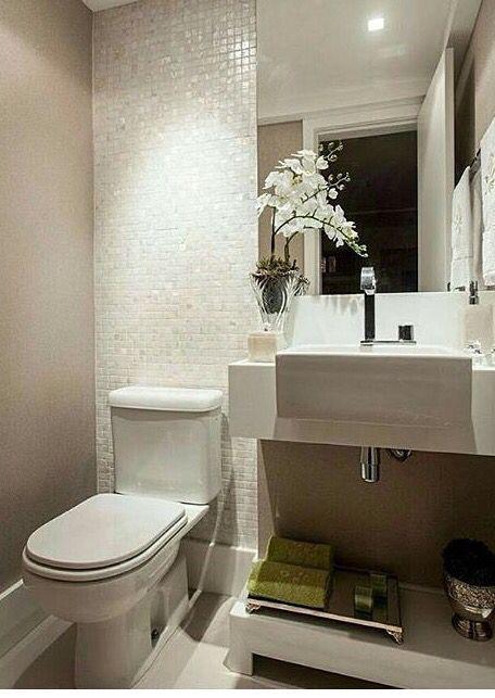 Pra quem tem apartamento com banheiro pequeno, está aí uma ótima opção. Moderno e delicado.