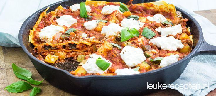 Deze lasagne met gehakt en ricotta maak je makkelijk zonder oven maar in de pan