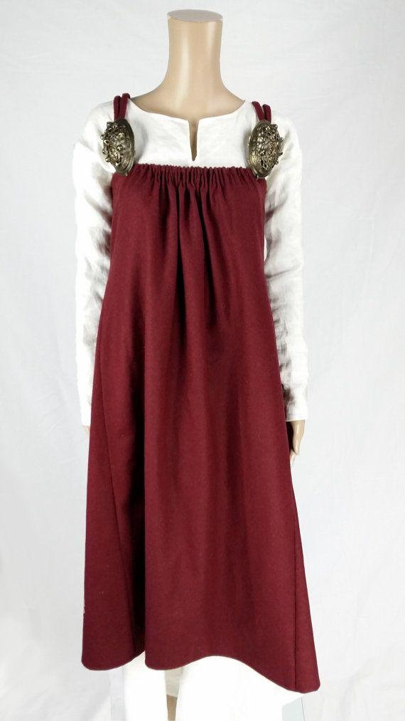 Viking apron dress. By Elna of RunfridrCostumes on Etsy.                                                                                                                                                                                 More
