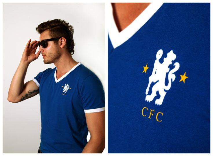 Si eres Fanático del futbol te va a encantar esta genial camiseta retro del Chelsea de 1973!!! sigue el link: http://www.thegiftstore.co/para-el/ropa-y-accesorios/camiseta-de-futbol-chelsea-de-1973/?variant=12468003