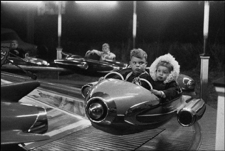 Potencia de cohete, Henri Cartier-Bresson, 1959     Rocket power, Henri Cartier-Bresson, 1959