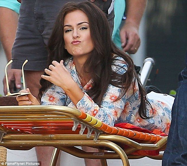 Isla Fisher smirked while filming on set in Miami, Florida