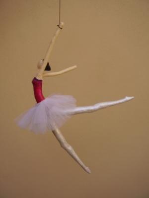 bailarina clasica figura, colgante papel cartapesta