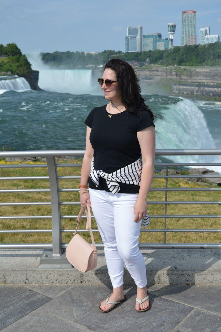 Classic summer outfit at Niagara Falls