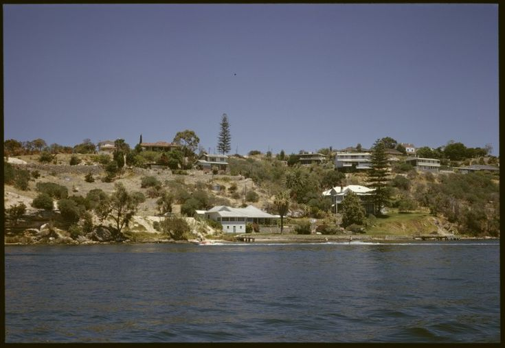 145747PD: Houses on the banks of the Swan River, probably in Mosman Park, Western Australia, February 1968.  https://encore.slwa.wa.gov.au/iii/encore/record/C__Rb5277380