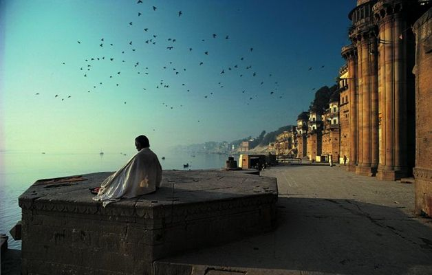 Varanasi, India  Olivier Föllmi, photographer