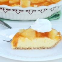 Chilled Pineapple #Cheesecake: Loads of #pineapple and a buttery digestive biscuit crust.: Crusts Fillings, Decade Desserts, Biscuits Crusts, Crushes Pineapple, Pineapple Tarts, Pineapple Cheesecake, Cheesecake Recipes, Chill Pineapple, Tarts Recipes