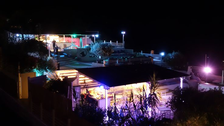 Terrazze Kibar illuminate(Hotel Chiaia di Luna, Isola di Ponza)