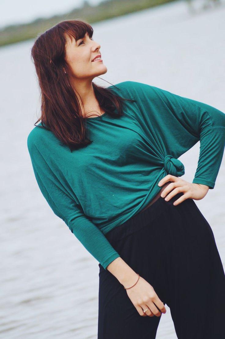 Emerald jersey long sleeve batwing tee + black jersey harem pants! <3