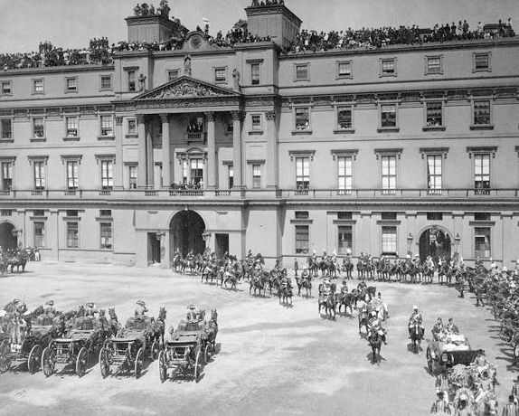Buckingham Palace at the time of Queen Victoria's Diamond Jubilee. The East Wing with its famous balcony was remodelled in 1913.