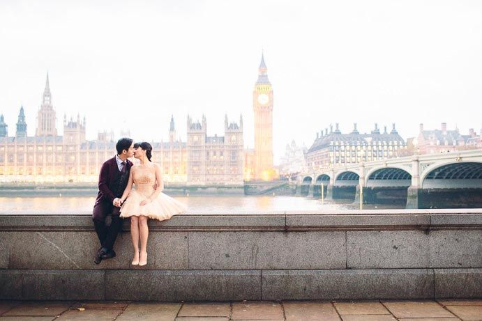 Here is a very special asian engagement shoot. I love doing london engagement photography and it was great to wander around the city with these two.