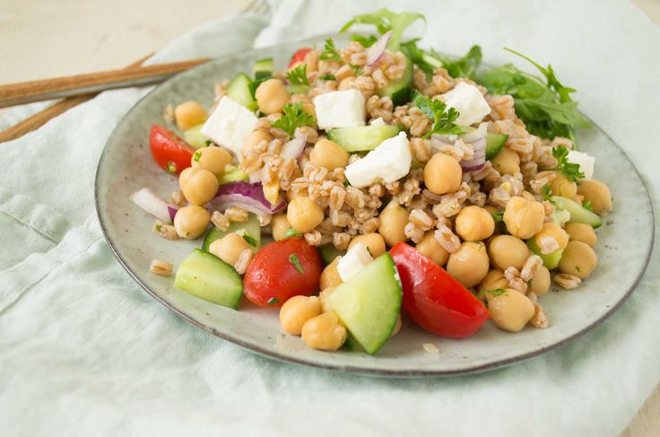 Spelt Salade met Kikkererwten & Feta