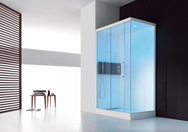 Ha porta scorrevole il box doccia multifunzione Soul di Hafro in cristallo temperato 8 mm. È dotato di telecomando che controlla tutte le funzioni: radio, cromoterapia e bagno turco. Misura L 100 x P 70 cm.