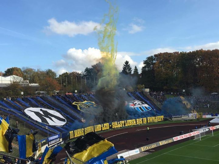 #Wir gratulieren #dem 1. #FC #Saarbruecken #zum fruehzeitigen Herbs... #Wir gratulieren #dem 1. #FC #Saarbruecken #zum fruehzeitigen Herbstmeistertitel!   #Der #FCS #spielt #bisher #eine #sehr #starke #Runde #und #deshalb #geht #der #Titel (von #dem #man #sich #natuerlich #nichts #kaufen kann) #auch voellig #in Ordnung!   Foto: #Regionalliga SuedwestWir gratulieren #dem 1. #FC #Saarbruecken #zum fruehzeitigen Herbstmeistertitel!   #Der #FCS #spielt #bisher #eine http://saar.c
