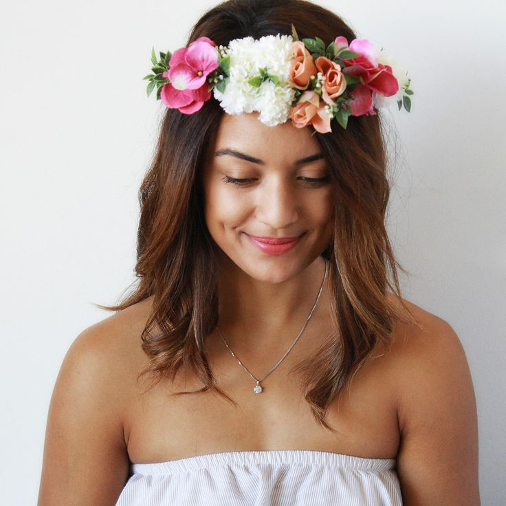 The Tara Flower Crown is a soft, whimsical crown created with light pink roses, white carnations and pink hydrangeas. Perfect for kitchen teas, baby showers or just afternoons with champagne, order yours today. With the versatility for a full made to measure crown or adjustable ribbon and the options to add a detachable velcro veil, please take the time to review the options below and select your favourite! For those wanting a full made to measure crown, please include your head...