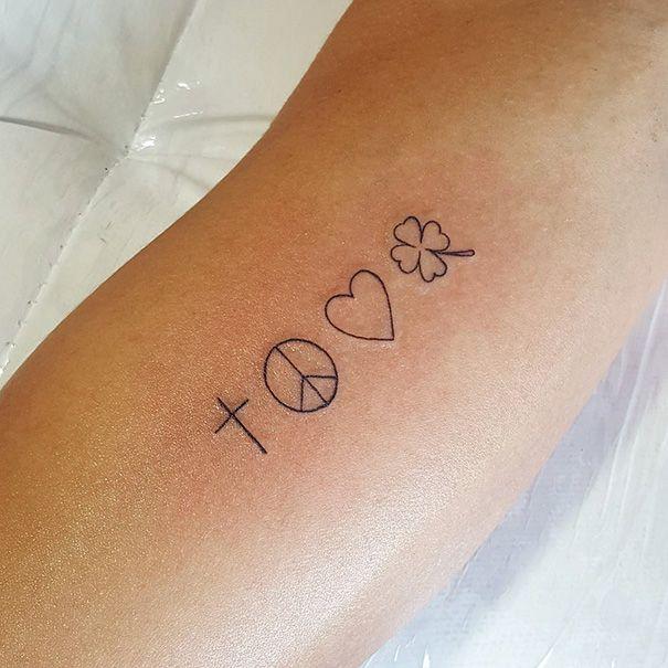 Tattoos minimalistas para sua inspiração                                                                                                                                                                                 Mais