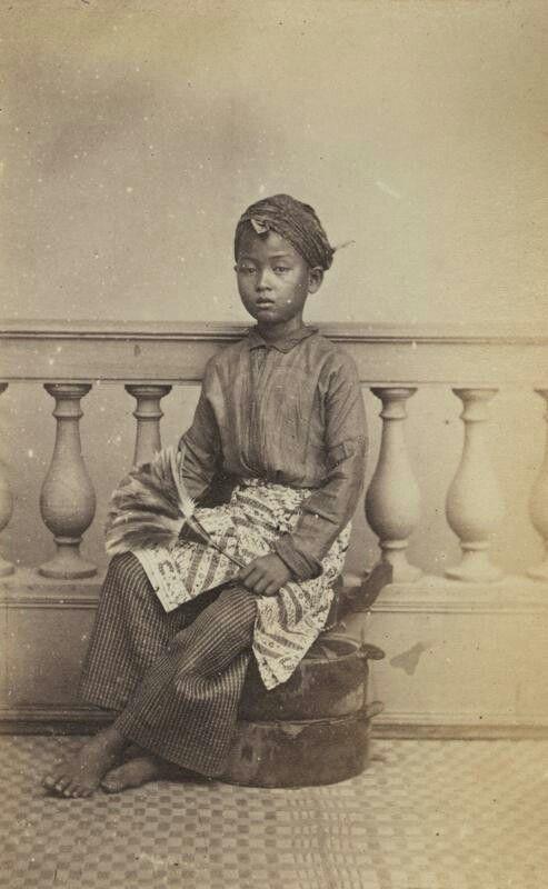 Javaanse huisjongen (katjong) te Batavia. ca. 1867
