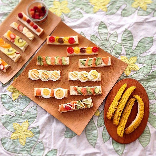 today's breakfast  La colazione di oggi  Oggi 10 ° anniversario di matrimonio  今日の朝ごはん  細かい作業は 雑な私には向きませぬ。  でも食べやすくてテンションあがる流行りの#スティックオープンサンド  いい1日になりますように #フルーツオープンサンド