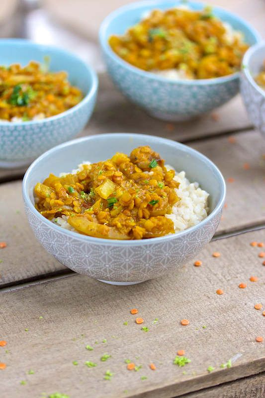 Curry de lentilles corail au fenouil au saveurs indiennes. Original et facile, parfait pour accompagner un peu de riz complet
