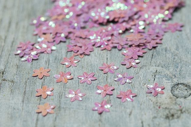Decoración - Flower Sequins, Pastel Pink Sequins, Confetti - hecho a mano por HQSupplies en DaWanda
