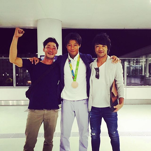 銅メダルおめでとう! #羽根田3兄弟#羽根田卓也 #ハネタク #リオデジャネイロオリンピック#銅メダル#カヌースラローム#セントレア#何十年ぶりの兄弟写真