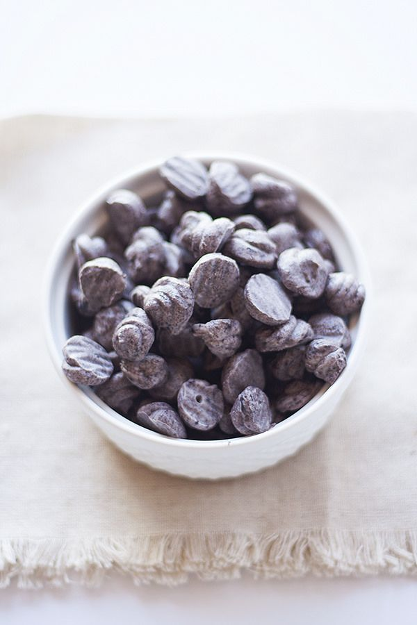 cookies and cream frozen yogurt dots | #froyo #yogurt heathersfrenchpress.com