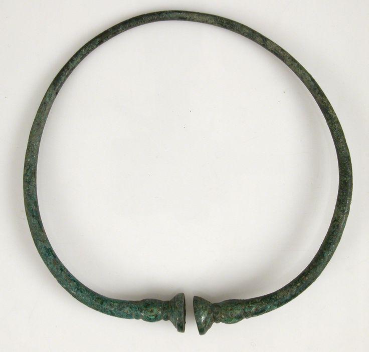 Torc, 4th–3rd century B.C., Gaul, copper alloy. #kelten schmuck #keltischer schmuck #torques