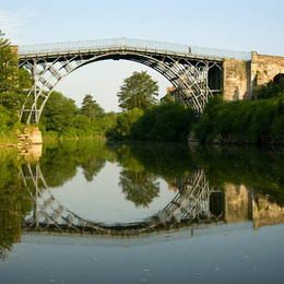 Ironbridge Gorge. Shropshire, England. (©OUR PLACE The World Heritage Collection)