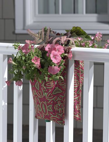 39 best images about planters over railings on pinterest window boxes railing planters and - Flower boxes for railings ...