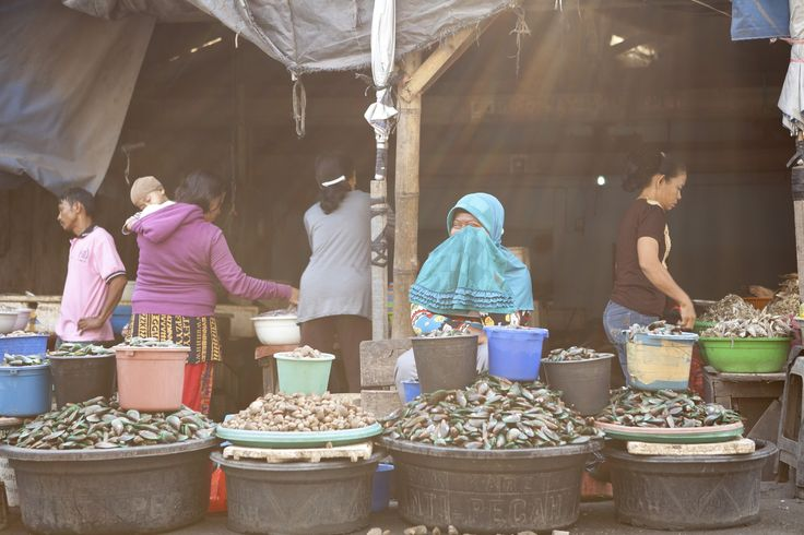 shells seller by Adhi Superpanda on 500px