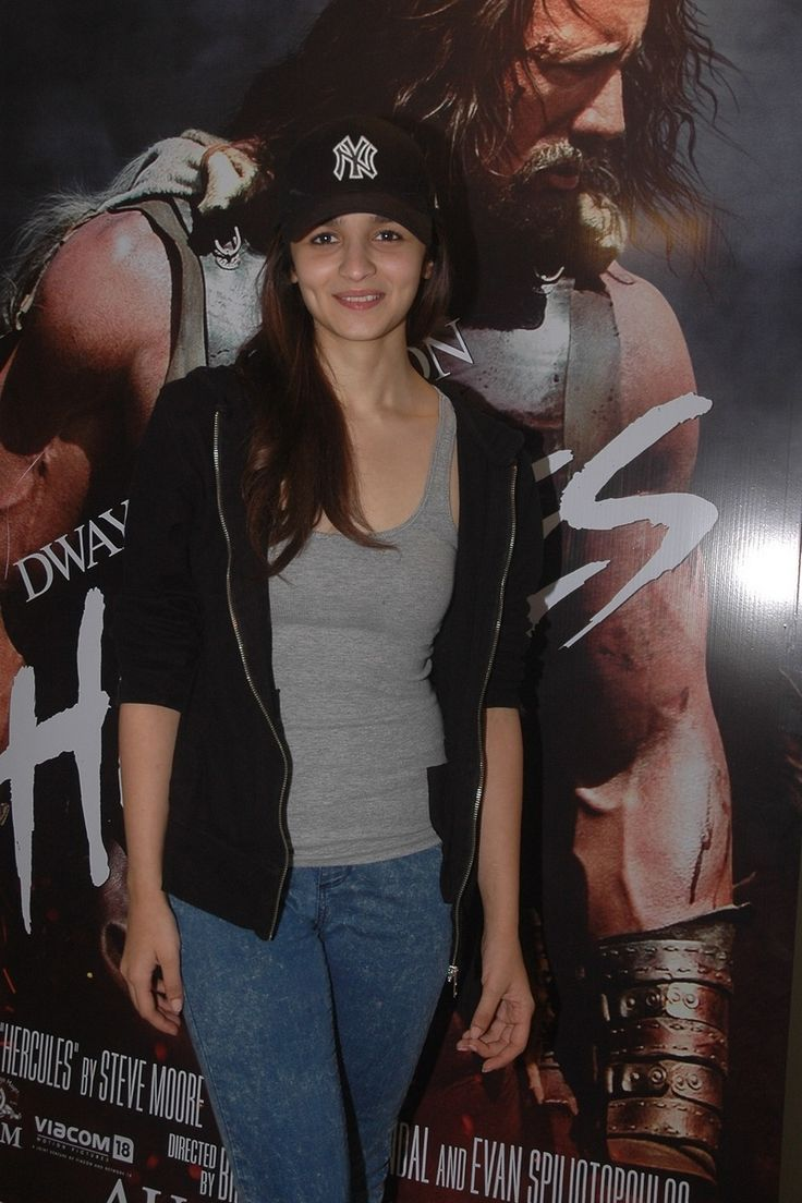 Alia Bhatt also came dressed casually for the screening of Hercules. #Style #Bollywood #Fashion #Beauty
