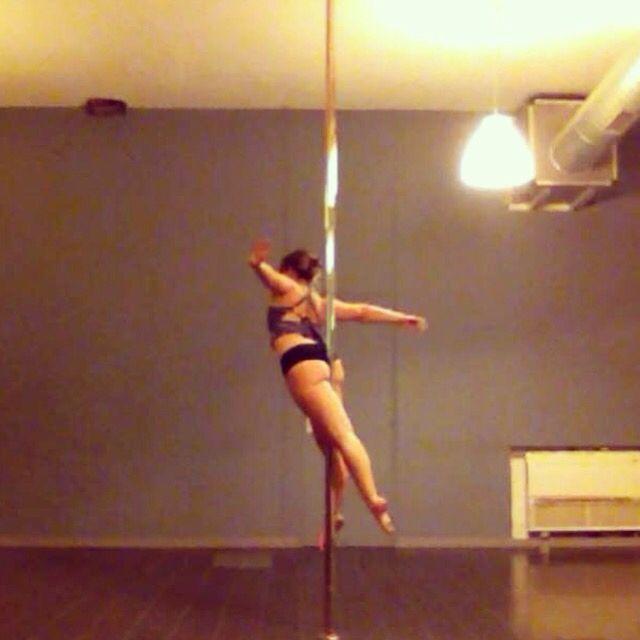 Titanic pole Dance