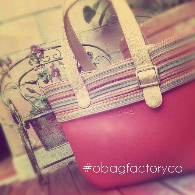 ¡Colores y flores estilo O bag! #obagfactoryco #Obag www.Obag.com.co
