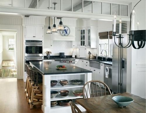 Tolle landhausküche in den farben weiß grau und schwarz sehr schön