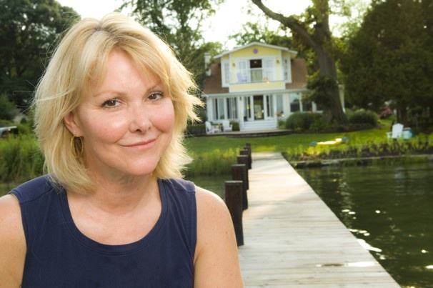 Wendy Rieger's waterside bungalow is charming. See photo gallery : http://www.washingtonpost.com/local/anchors-away/2011/06/28/AGa1LSqH_gallery.html#photo=1