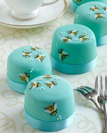 Honey bee mini cakes