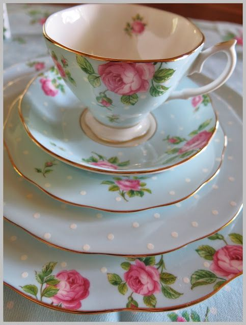 Royal Albert China                                                                                                                                                      More                                                                                                                                                                                 Más