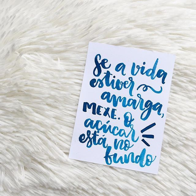 😜 #amorderabisco #vida #life #frasedodia #bomdomingo #açucar #rabisco #blue  #moderncalligraphy #modernart #azul