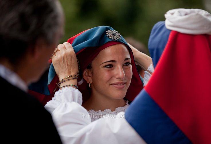 'Sa coja antiga' (old wedding ceremony) in Ussassai - #Ogliastra #Sardinia #Italy  https://www.facebook.com/media/set/?set=a.262076157135821.77235.232668393409931&type=3