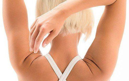 Гимнастика для шеи творит чудеса!    Всего четыре упражнения, которые кажутся банальными на первый взгляд, при регулярном выполнении помогут подтянуть кожу шеи, нормализовать сон и даже избавиться от болей в шейном отделе позвоночника.    Гимнастика для шеи поможет снять напряжение и в будущем избавит вас от трат на дорогостоящие лифтинг-процедуры. И не забывайте, от того, в каком состоянии находятся мышцы шеи и грудной клетки, зависит состояние женского бюста, так что не ленитесь, найдите…