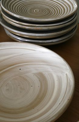 dinner set: by NZ potter Ross Mitchell-Anyon