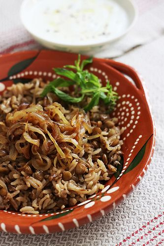 Pilaf with Green Lentils and Caramelized Onions