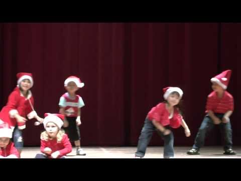 ▶ Jingle Bells - Christmas dance song in Chomel's Preschool Concert 2012 - YouTube infantil